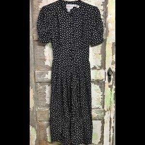Karin Stevens   Mid-length 90's Dress with Pockets
